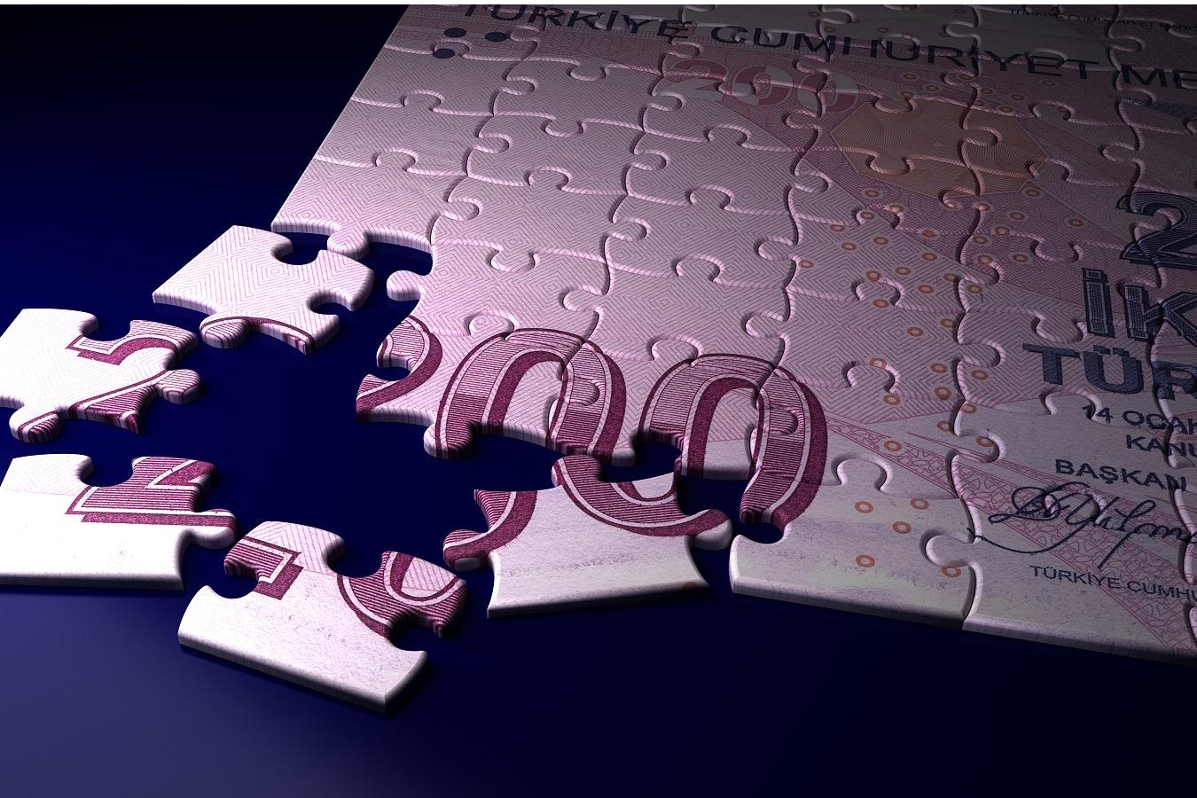 Turkish Lira slips as inflation mounts