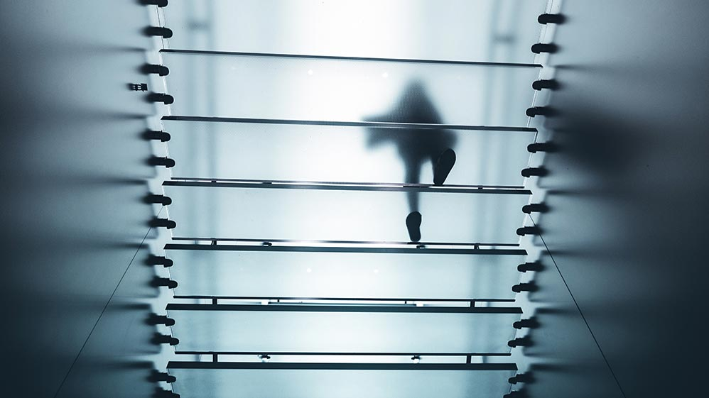 Waarom vrouwelijke managers die freelance gaan veel meer kans maken om het glazen plafond te doorbreken