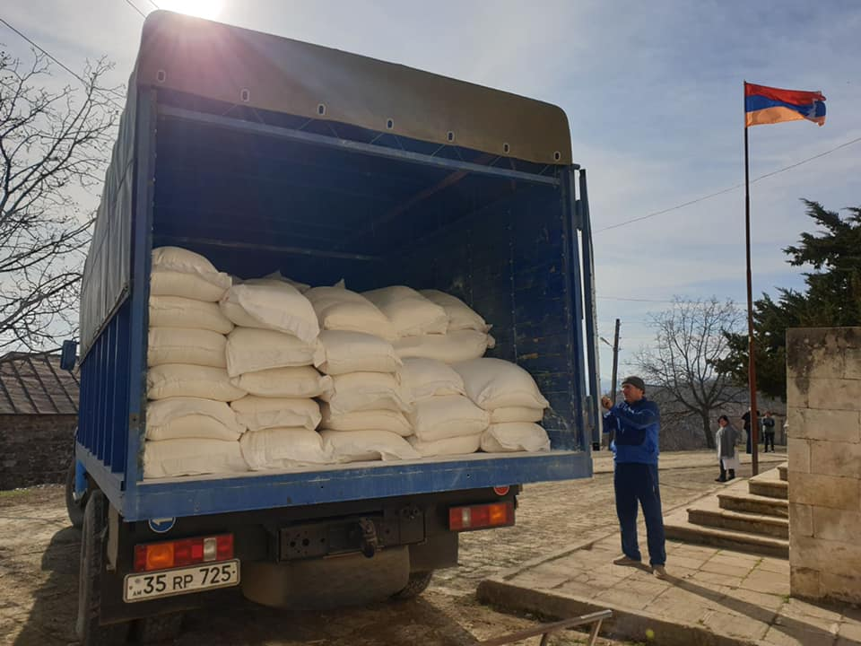 Tufenkian and Mérieux Provide aid to 119 families in Khnushinak